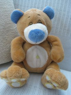 NUBY TICKLE TOES 2008 LUV N CARE TAN TEDDY BEAR PLUSH BEAN BAG DOLL