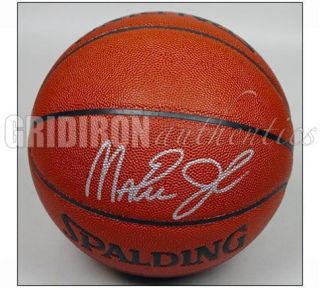 MAGIC JOHNSON LA LAKERS AUTOGRAPHED SPALDING OFFICIAL INDOOR OUTDOOR