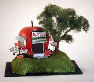 LITTLE APPLE ANNIE A Doll House for Your Doll House Plastic Kit GL3419