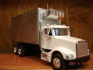 SPEC CAST PETERBILT 10 WHEEL CAB W/ CUSTOM REFRIGERATOR BODY 1/64