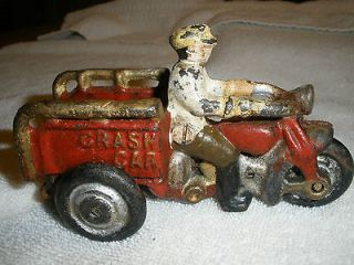 CAST IRON CRASH CAR VINTAGE 3 WHEEL MOTORCYCLE TOY DELIVERY BIKE