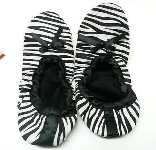 New womens M L zebra print travel slippers Avenue in pouch size 6.5 7