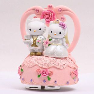 Hello Kitty & Dear Daniel PINK Color Lovely Turn Around Music Box