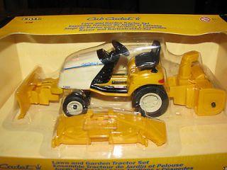 Cub Cadet Lawn & Garden Tractor Mower Blade & Snow Set 1/16 Ertl