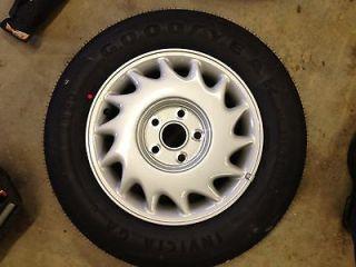 1992 Lexus LS400 Spare Wheel & Tire Right Side 4261150240 15x6 1/2