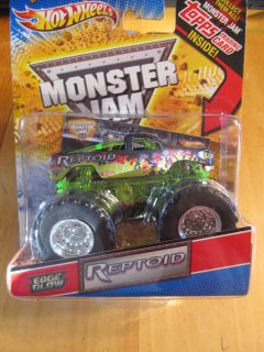 2011 Edge Glow Series HOT WHEELS Monster Jam REPTOID truck AWESOME