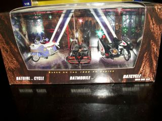 Comic Con 2008 Hot Wheels Exclusive 3 Pack Batgirl Cycle Batmobile