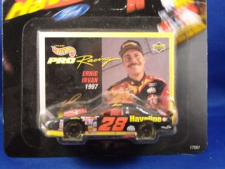 1997 Hot Wheels Pro Racing 28 Ernie Irvan 1 64