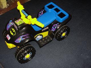 Fisher Price Power Wheels DC Super Friends Batman Lil Quad