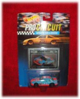 1992 HOT WHEELS PRO CIRCUIT 1 64 STOCK CAR NASCAR 43 STP RICHARD PETTY