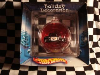 Coupe 1 64 die cast in Christmas tree ornanent Mattel Hot Wheels
