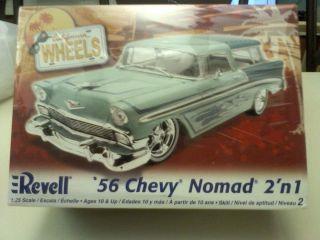 CALIFORNIA WHEELS 56 Chevy Nomad 2n 1 1 25 Scale Model Car Ki 85 2892