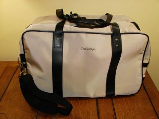 CALVIN KLEIN DUFFLE GYM TRAVEL BAG DUAL WHEELS BLK TAN SHOULDER BAG
