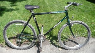 Single Track Mountain Bike Large Frame 26 Wheels Mens Bicycle