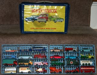 Vintage 1969 Matchbox Lesney Collectors Case Full with 24 Cars