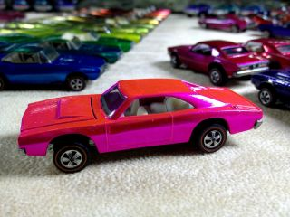Hotwheels Vintage Original Redline Stunning Pink Custom Charger