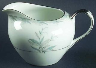 Wentworth Marion Creamer, Fine China Dinnerware   Blue & Gray Leaves